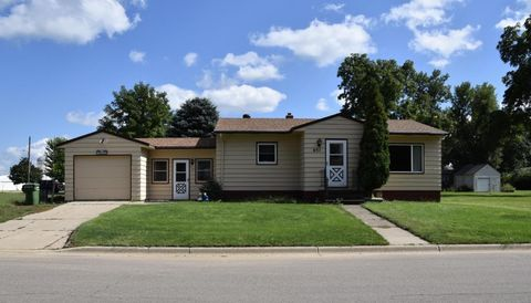 651 2nd Ave, Brewster, MN 56119