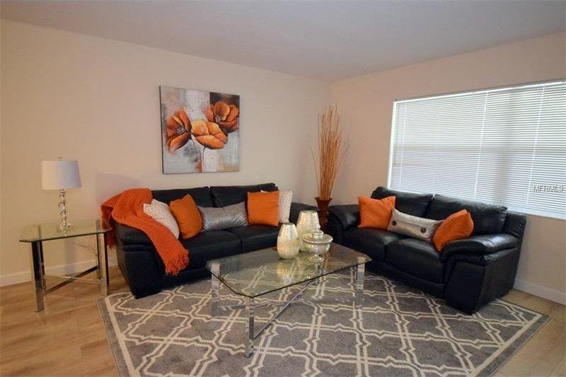 1034 Hamilton Ave, Tarpon Springs, FL 34689