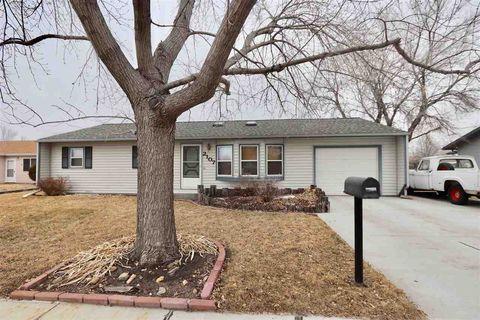 2107 E E St, North Platte, NE 69101