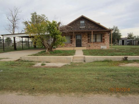Photo of 1014 9th St, Seagraves, TX 79359