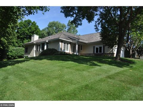 10 Echo Bay Dr, Tonka Bay, MN 55331