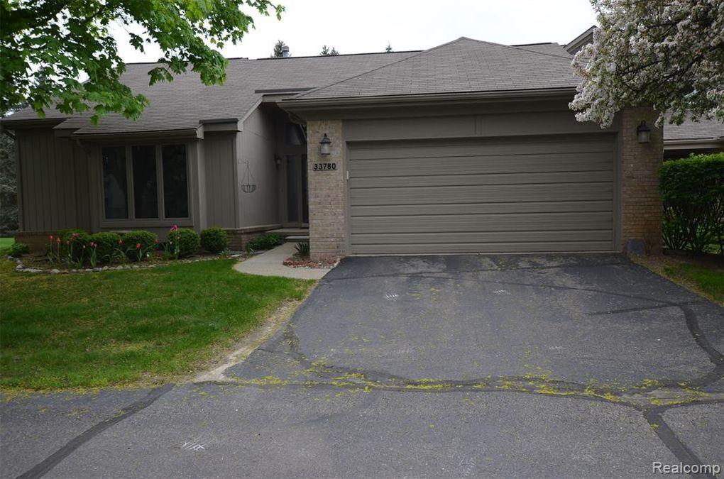 33780 Vista Dr, Farmington Hills, MI 48331