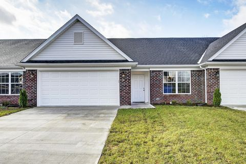 Photo of 6642 Woods Mill Dr, Louisville, KY 40272