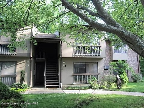 25 Lexington Ct, Red Bank, NJ 07701