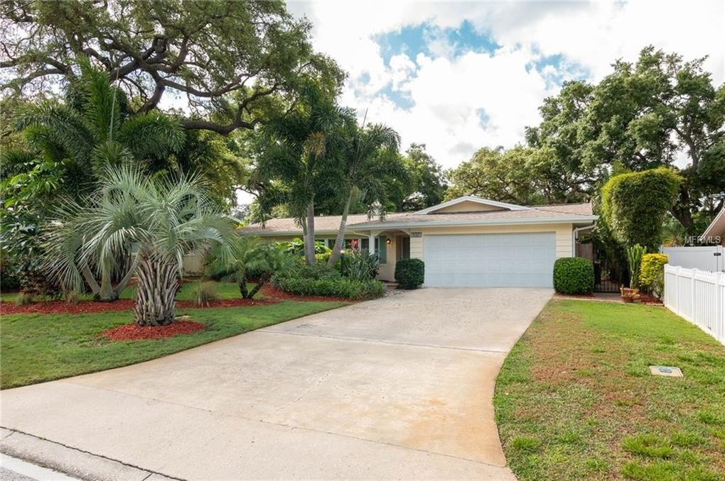88c2531a8a4 1137 Union St, Clearwater, FL 33755 - realtor.com®