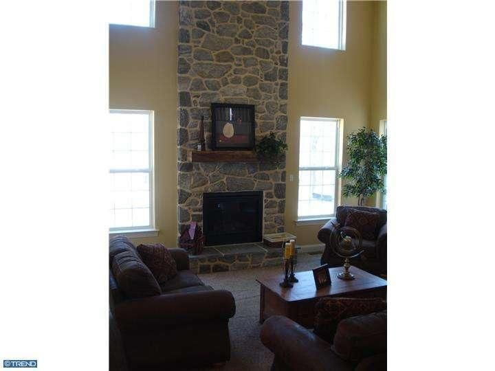 5803 tranquil ln emmaus pa 18049 for Living room yoga emmaus pa