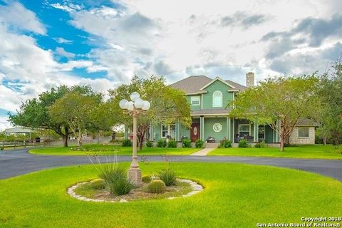 Photo of 2217 County Road 125, Beeville, TX 78102