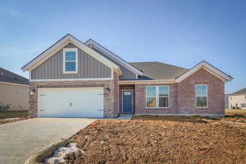 1974 Whispering Meadows Dr, Owensboro, KY 42301