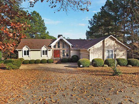 1060 Burning Tree Rd, Pinehurst, NC 28374