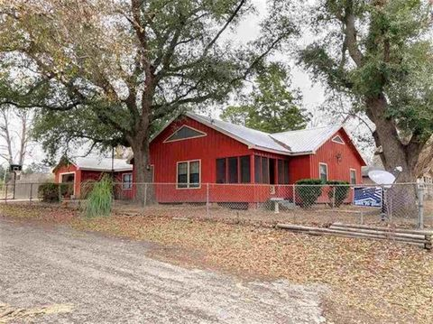 Photo of 311 E North St, Newton, TX 75966