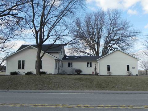 Photo of 1042 E State Road 13, North Manchester, IN 46962