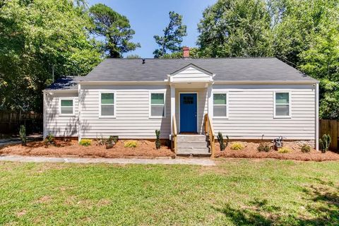 Photo of 1784 Alexander Dr, Decatur, GA 30032