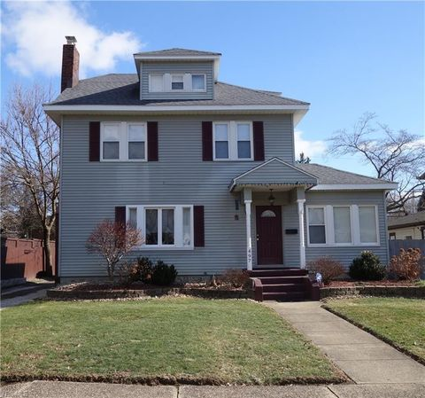 Photo of 497 Sunset View Dr, Akron, OH 44320