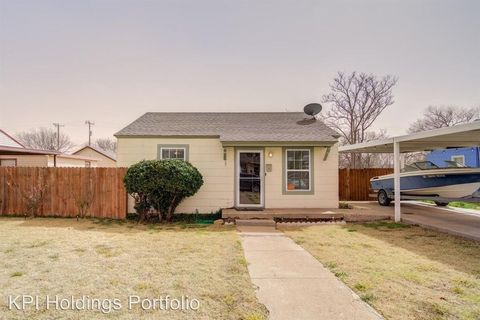 Photo of 2009 39th St, Lubbock, TX 79412