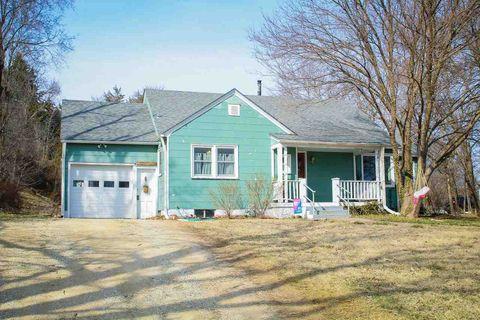 Photo of 320 W 9th St, Chapman, KS 67431