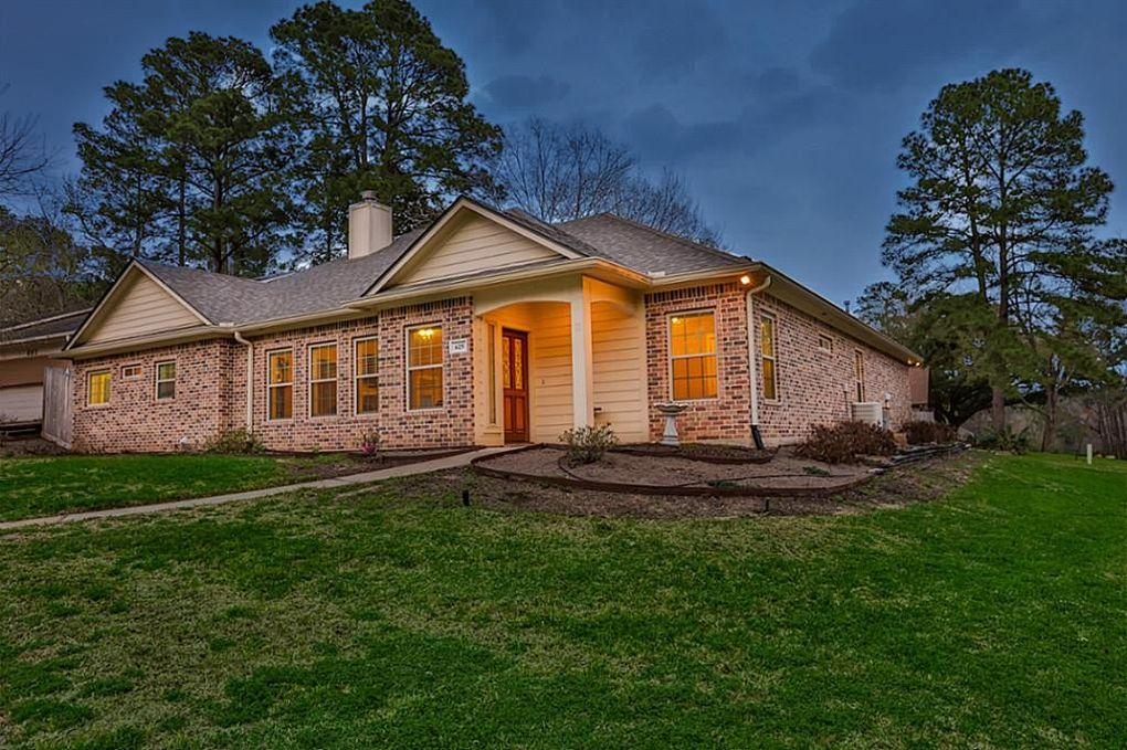 625 Green Hills Dr Huntsville, TX 77340