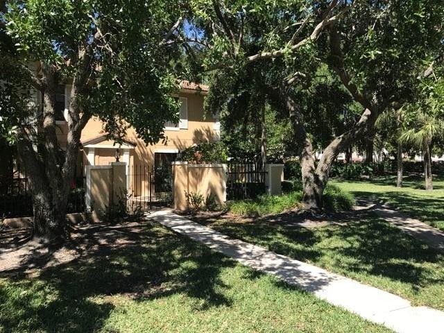 377 Prestwick Ln Apt 1, Palm Beach Gardens, FL 33418