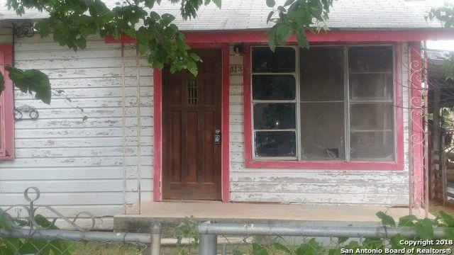 513 N Llamos St Pearsall, TX 78061