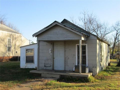 624 W Apache St, Purcell, OK 73080