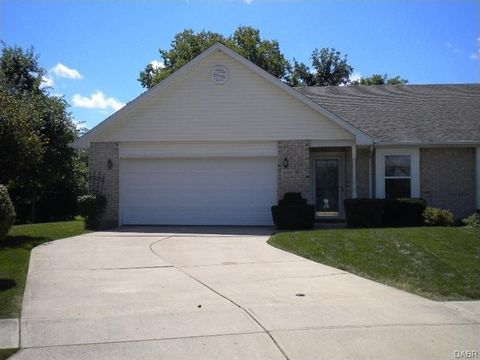 Photo of 2017 Swallowtail Ct, Englewood, OH 45315