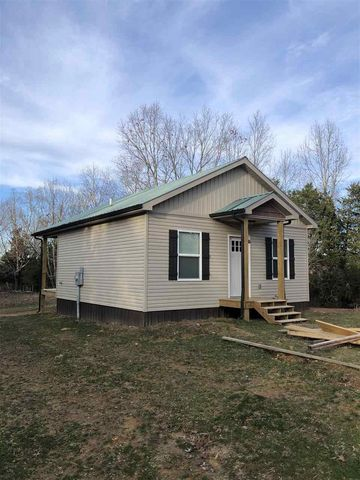 Photo of 5488 Reece Hurt Rd, Breeding, KY 42715