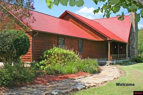 488 County Road 101, Norfork, AR 72658