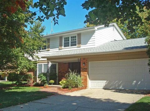 Photo of 2547 Page Ave, Ann Arbor, MI 48104