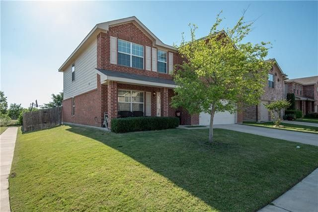 8601 Shallow Creek Dr, Fort Worth, TX 76179
