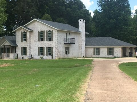 168 Country Ln, Holcomb, MS 38940