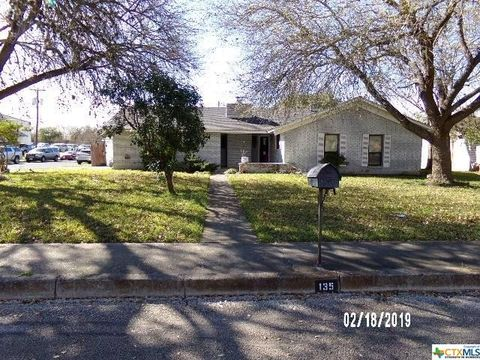 Photo of 135 Creekside Dr, Boerne, TX 78006