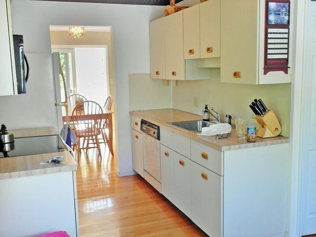 90 Old Quarry Dr Weymouth Ma 02188 Kitchen