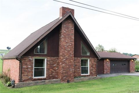 476 Cherry St, West Franklin, PA 16262