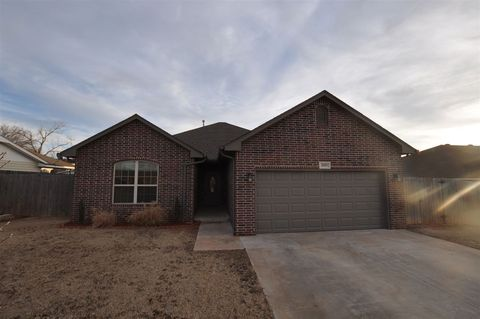 Photo of 2913 Osage Dr, Woodward, OK 73801