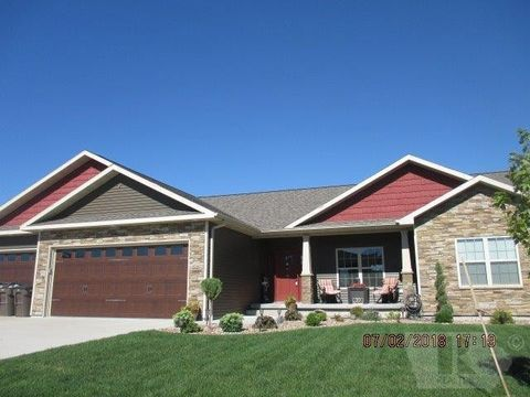 39 7th St, West Point, IA 52656