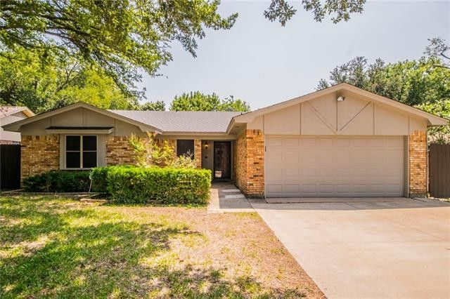 1018 Almond Dr, Mansfield, TX 76063