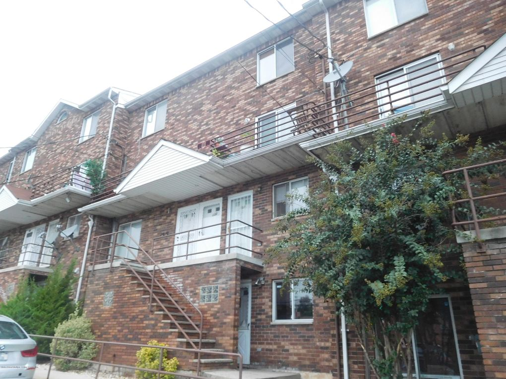 83 Narrows Rd N Apt A, Staten Island, NY 10305