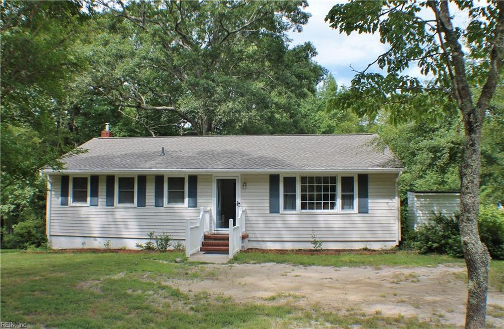 10133 Burkes Pond Rd Gloucester County, VA 23128
