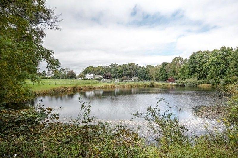 20 Farmersville Rd, Tewksbury Township, NJ 07830