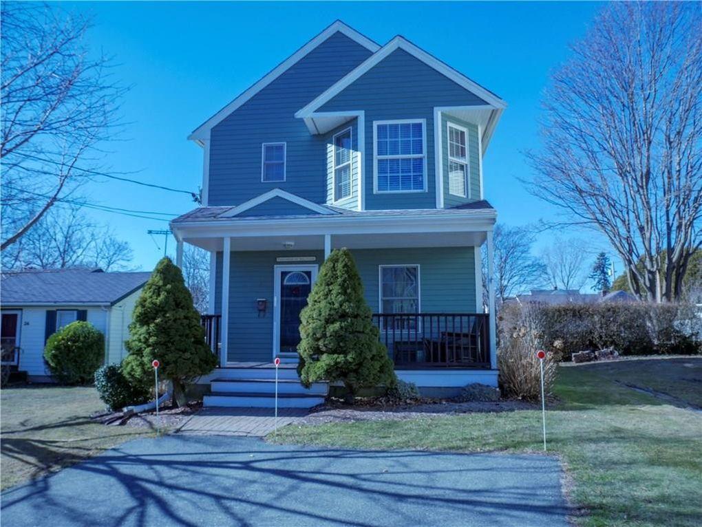 28 Fenner Ave, Newport, RI 02840