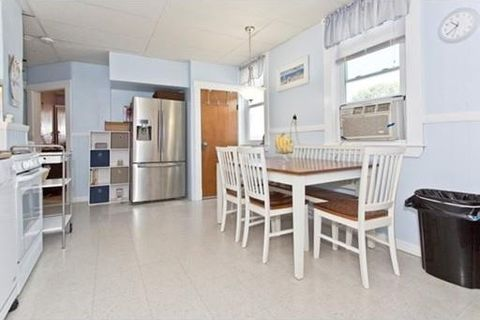 17 Valley St, Wakefield, MA 01880