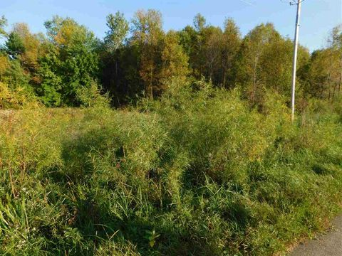 Green Valley Rd, Krakow, WI 54137