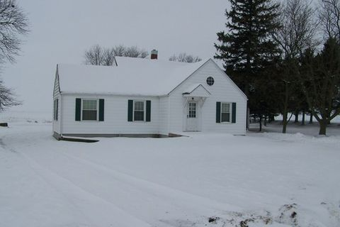 4911 N 2700 East Rd, Forrest, IL 61741