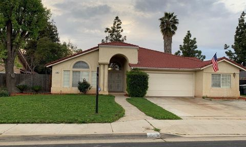 Photo of 742 Mc Arthur Ave, Clovis, CA 93611