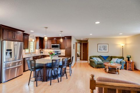 Photo of 9805 Upper 205th St W, Lakeville, MN 55044
