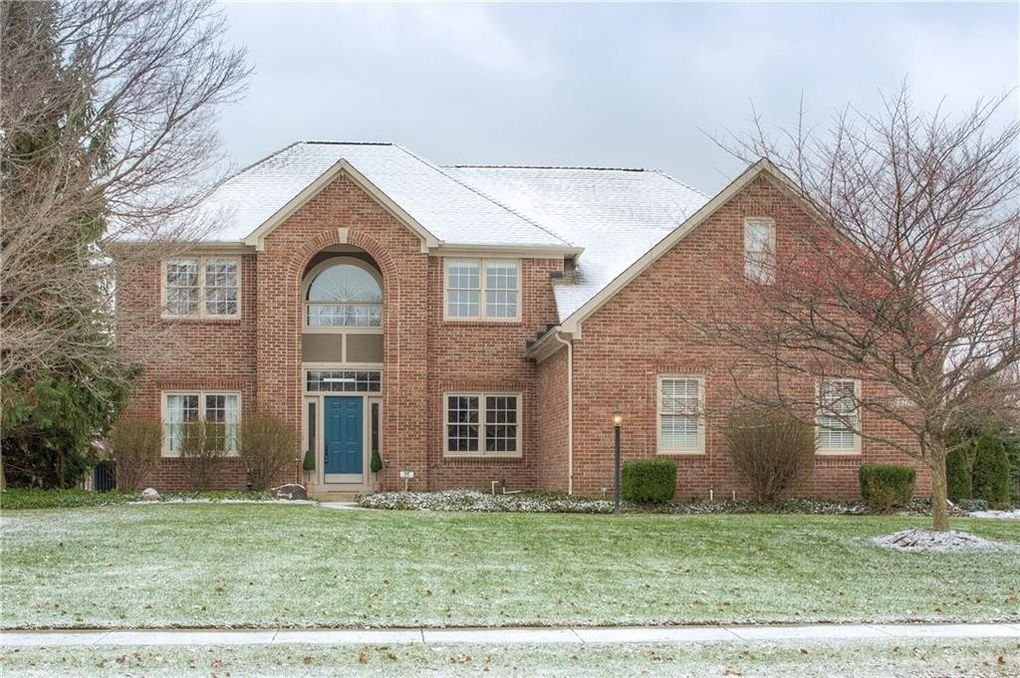 5775 Coopers Hawk Dr, Carmel, IN 46033