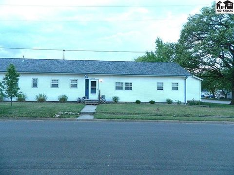 305 Delaware St, Inman, KS 67546
