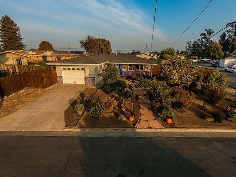 230 Zurich Ave, Watsonville, CA 95076