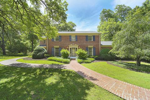 Photo of 4915 Sewanee Rd, Nashville, TN 37220