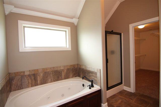 Bathroom Vanities Jackson Tn 14 garrison dr, jackson, tn 38305 - realtor®