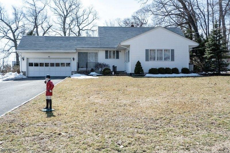 19 Robin Hood Rd, Parsippany Troy Hills Township, NJ 07950